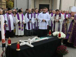 mons-ioan-robu-celebrare-la-cimitirul-bellu-catolic-r