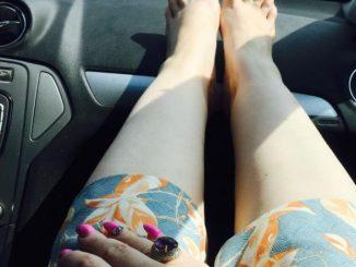 oana lis-picioare pe bord r